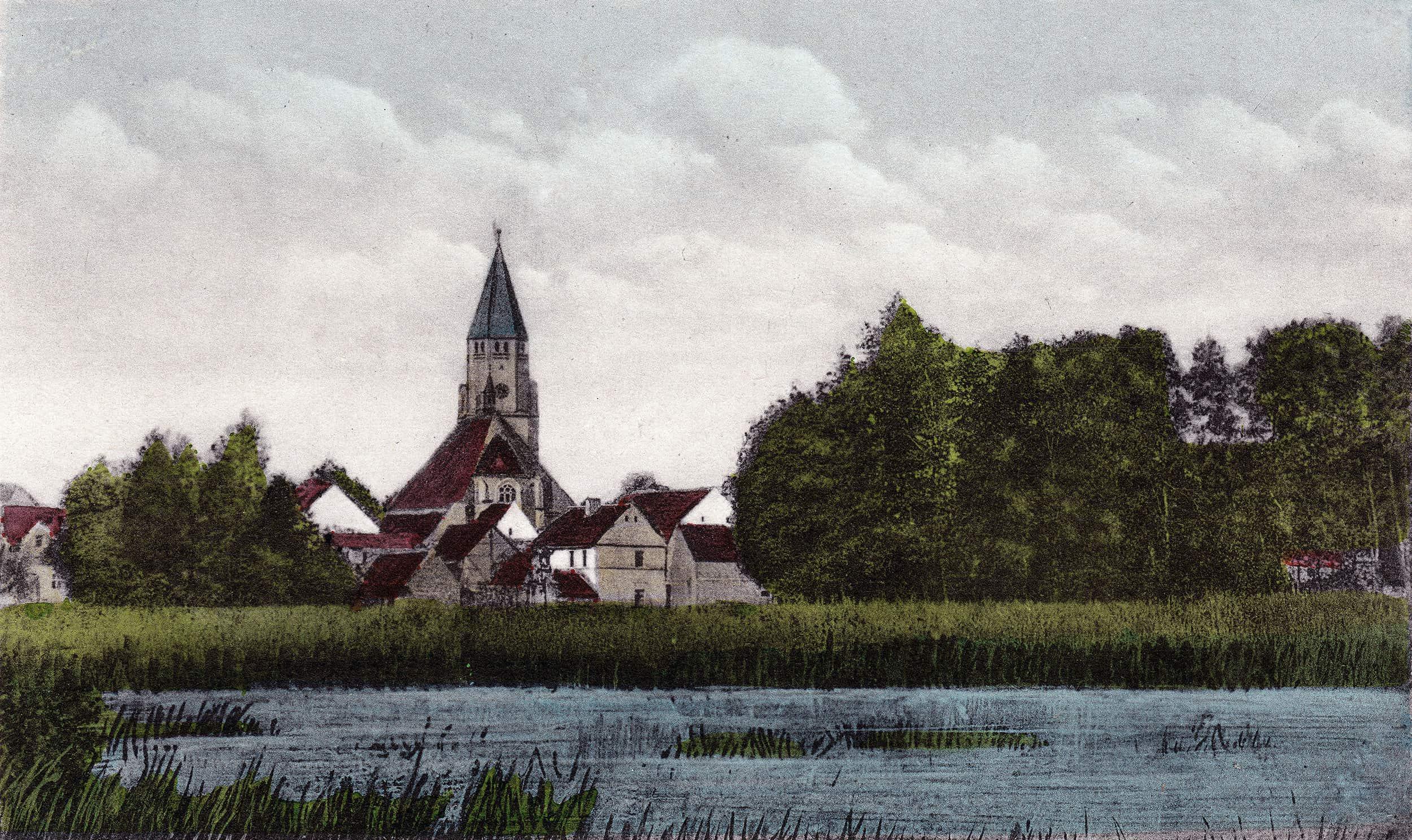 Stadtteich mit Blick zur Kirche